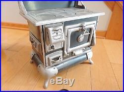 Qualified Range Stove Salesman Sample Toy Store Display Enamel Vintage Old