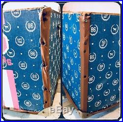 Victorias Secret PINK Super RARE/ Vintage Metal Storage Trunk Prop Display