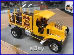 Vintage Original Monogram 1/24 Scale 1960's Beer Wagon Store Display