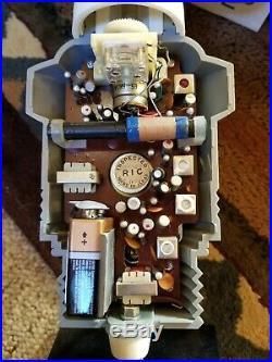 Vtg 1960's Champion Spark Plug A. M. Transistor Radio Store Display Clean Spr-810