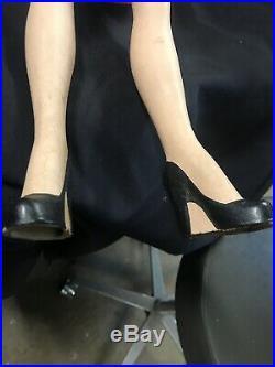 Vtg 24 Counter Mannequin Doll. Store Display Advertising Mannequin