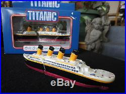 Vtg Titanic 1998 Salt & Pepper Shakers Model Set Enesco Store Display No Box